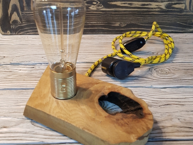 Лампа на підставці KR040