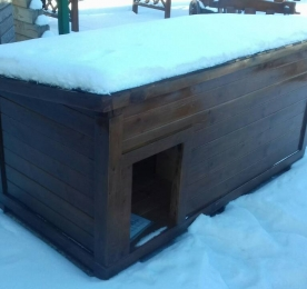 Insulated Kennel of Wood (0177)