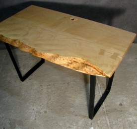 Computer Table of Maple`s Solid