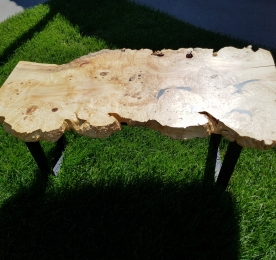 Кофейный столик из клена M 01