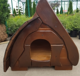 Small Kennel of Wood