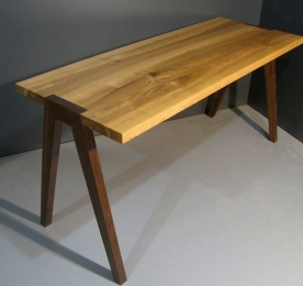Стол письменный W 017
