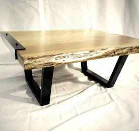 Квадратный журнальный столик из массива дуба