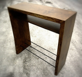 Console of Oak`s Solid 010