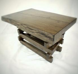 Мини кофейный столик из массива дуба