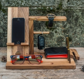 MAN`S WOOD ORGANIZER