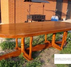 Стол из дерева (0089)