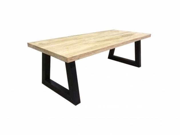 Oбеденный стол из массива дуба W 018